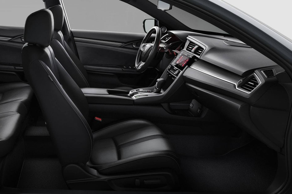 Front interior of the Honda Civic which is available for bad credit car lease
