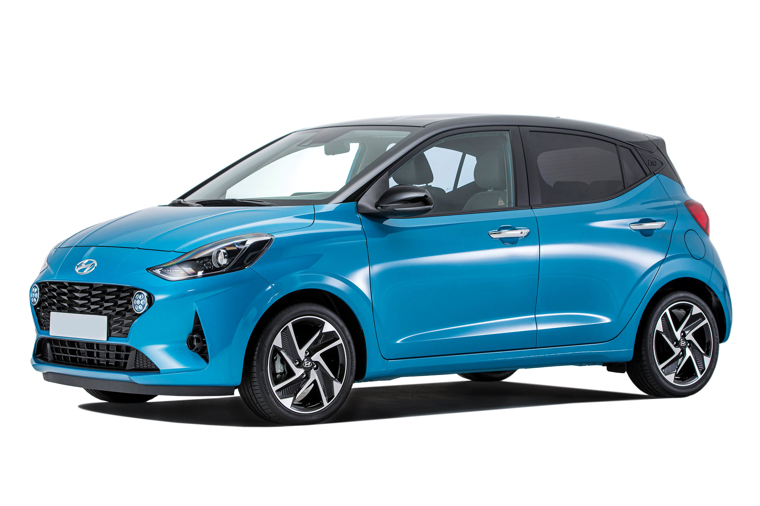 Side view of the Hyundai i10 which is available for bad credit car lease