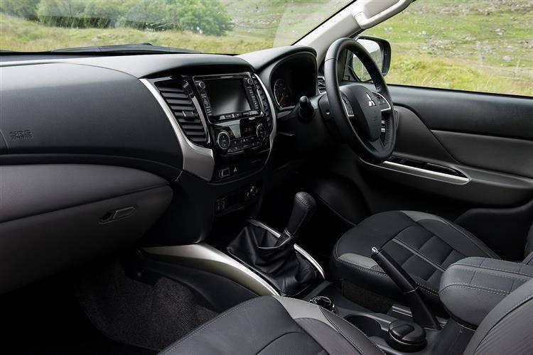 Mitsubishi L200 - 2019 - Interior