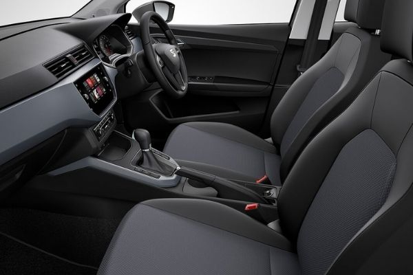Interior view of the Seat Arona which is available for bad credit car lease
