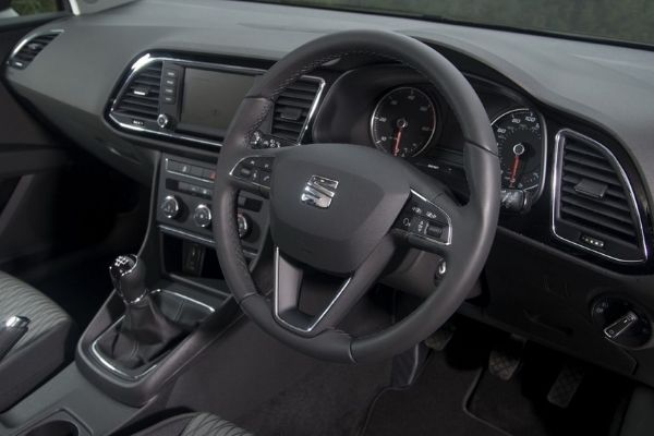 Interior view of the Seat Leon which is available for bad credit car lease